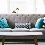 Ako výraznými doplnkami oživiť interiér